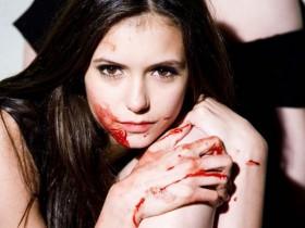 Звезда «Дневников вампиров» Нина Добрев в новой фотосессии