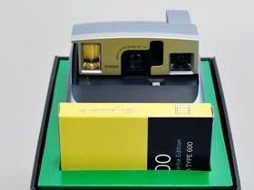 Polaroid 600 One