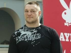 Денис Бахтов