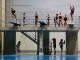 скачки в воду