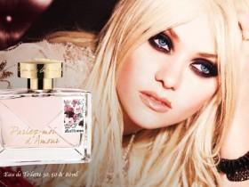 Тейлор Момсен в рекламе нового парфюма Джона Гальяно (ФОТО)