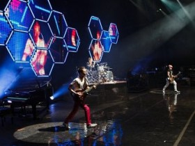 Muse, кавер, выборочный опрос, топ, главенство, лидер, Feeling Good, Лесли Брикусс, Бритни Спирс, The Beatles