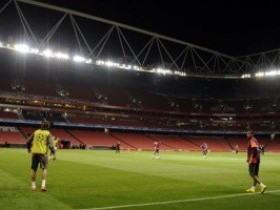 Составы Арсенала и Шахтера