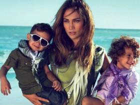 Дженнифер Лопез снялась в рекламе Gucci с близнецами (ФОТО)