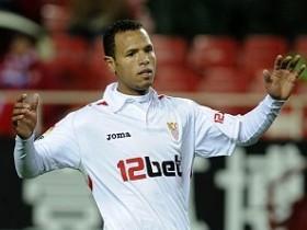 """Нападающий  """"Севильи """" Луис Фабиано отметил, что после истечения контракта..."""