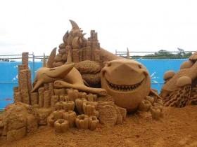 статуй из песка