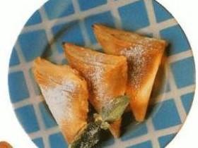 Треугольники сырно-медовые