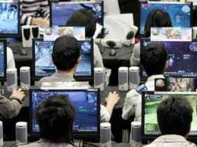 Игрок в компьютерные игры