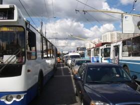 пробка из троллейбусов