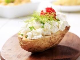 Печенный картофель с творогом
