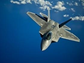 На вооружение ВВС США поступил  истребитель F-22