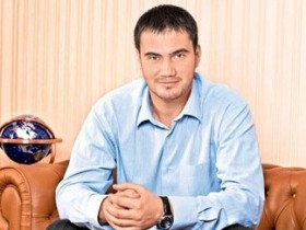 В.,янукович,старший