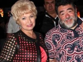 Мать Ксюши Собчак впечатлила всех рваным пиджаком