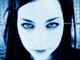 """Артистка  """"Evanescence"""" Эми Ли в полном восторге от Украины"""