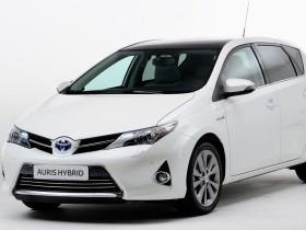 Гибридная Toyota Auris