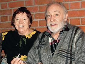 В. Тихонов с супругой