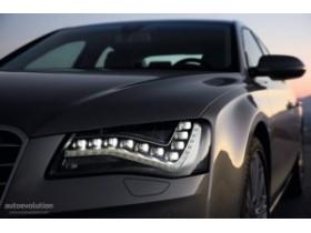 Audi,A8