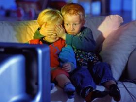 малыш и ТВ