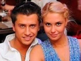 Павел Прилучный с женой