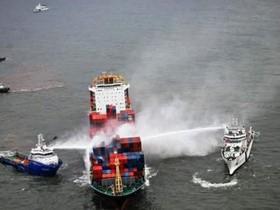 пожар,контейнеровоз,судно