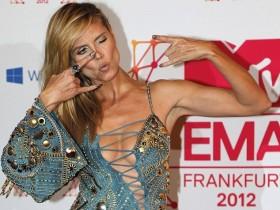 Хайди Клум сразила открытым платьицем на MTV EMA 2012.Фото