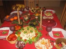 новогодний,стол
