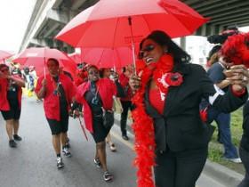 красный,зонт