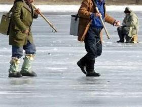 рыболовы,зимняя рыбная ловля