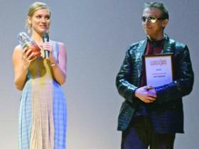 Охлобыстин и Кристина Асмус - самые лучшие артисты года (ФОТО)