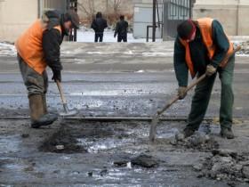Со вторника киевские автодороги начнут приводить в порядок
