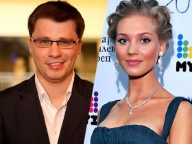 Кристина Асмус и Харламов сразятся свадьбу до конца июля