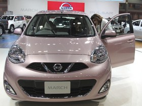 Ниссан отозвал не менее 800 млн. авто