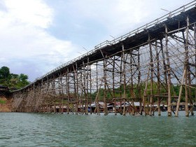 мост деревянный