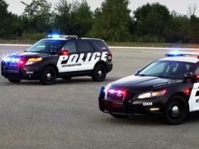 полицейская автомашина