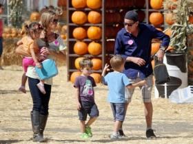 Чарли Шин с детьми