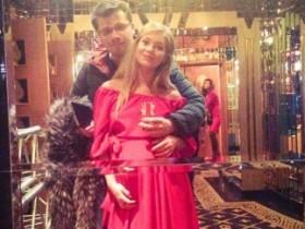 Асмус еще беременна