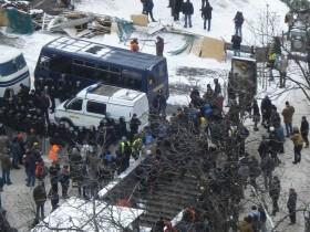 Дороги к центру столицы блокированы (ФОТО)