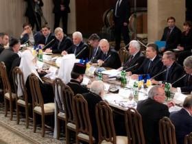 Главные тезисы Януковича в процессе выпуклого стола