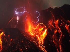эруптивные молнии