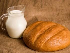 хлеб,молоко