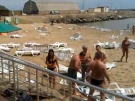 Под Одессой случилось цунами. Людей снесло волной (ВИДЕО)