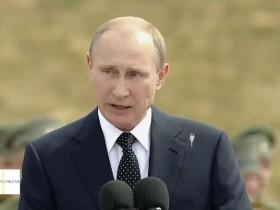 Пташка испортила на Путина напрямую в процессе представления (ВИДЕО)