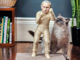 ФОТО: Когтеточка Путин от The Pussycat Riot