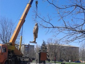 В Новоазовске восстановили памятник Ленину (ФОТО, ВИДЕО)