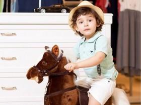 Сын Анфисы Чеховой впервые попробовал себя в качестве модели