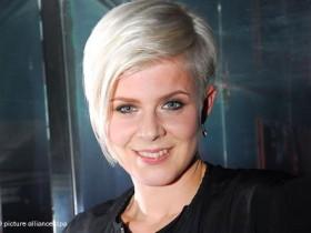 Шведская поп-исполнительница Робин