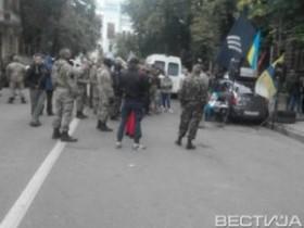 """""""Правый сектор"""" оборудовал блокпост на выезде из Киева"""