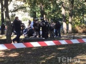 В Киеве задержали 4-х чел. за стрельбу у станции метро