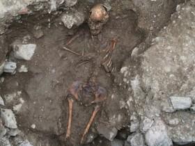 "В Италии археологи обнаружили гробницу ""молодой колдуньи"""