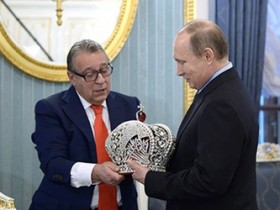 Хазанов презентовал Путин